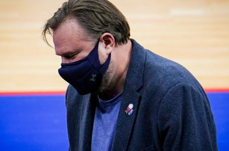 Sixers GM Daryl Morey, Blazers에게 파열 패배 후 Four Seasons Total Landscaping 농담
